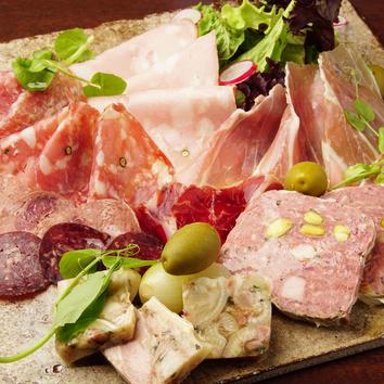 ●本日の最高の食材を使ったシェフのスペシャルコース