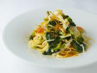 手打ちパスタ『タリオリーニ 白魚とはたけ菜 からすみ添え』