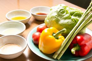 安心・安全な阿波野菜を使用。『徳島産 夏の阿波野菜のサラダ&無添加手づくりドレッシング』