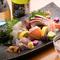 地元の新鮮な魚介類を『おまかせ お刺身五種盛り』