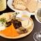 世界各国のチーズを取り寄せ、使い分け、ご案内
