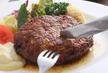 自家製タルタルソースで味わう『手作りハンバーグステーキ』