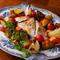 天然鯛の風味が生き、野菜もたっぷり『焼きアクアパッツァ』