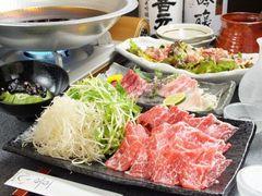 馬刺しと桜鍋のコース こちらを食べて頂ければ喜心を知って頂けるコースです。