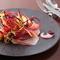 サーモンとビーツ、白豚の生ハム、キッシュ、季節の野菜