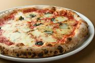 ナポリの窯で焼き上げる『ピッツァ』! 人気5種+季節の味も