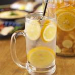 ベースのレモンシロップは手づくり。レモンチューハイ