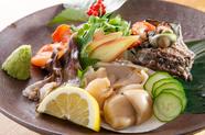 旬の貝を生で満喫できる『刺身5種盛り』