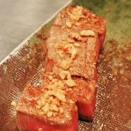 海の幸と上質なお肉の抜群のコラボレーション『黒アワビとステーキ』