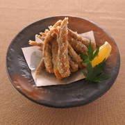 ずわい蟹・海老・キス・いか・旬の野菜をサックと揚げました。素材の味を活かし、衣の食感も楽しめるので、塩で食べるのもお勧めです。