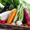 農家直送の新鮮な有機野菜を使ったコース料理