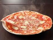 6月~12月限定!糖度15度以上の玉ねぎのとろける甘さを堪能する『淡路島産玉ねぎのピッツァ』