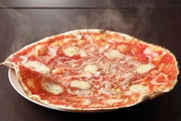 糖度15度以上の玉ねぎのとろける甘さを堪能する『淡路島産玉ねぎのピッツァ』