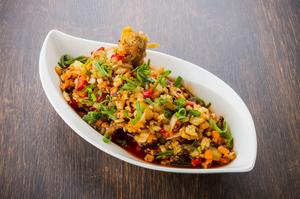 鶏の唐揚げとは一味違う、本格的な味わいの『ユーリンチー』