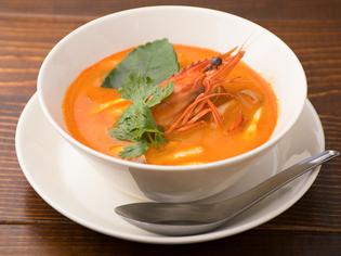 「ハーブ」「香辛料」味の決め手はタイから輸入
