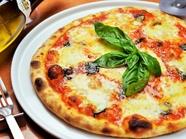 イタリアのピザ用小麦粉を使用し、生地の発酵状態にこだわった『マルゲリータ』