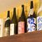 店主自ら選りすぐる、日々変わっていく全国各地の日本酒