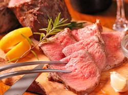こだわりの熟成肉。極上の味わいを詰め込んだ内容となっております。ぜひ当店で堪能あれ!