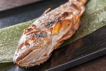 厳選焼き鳥を含むボリューム満点のお料理と、飲み放題付の各種ご宴会コースを色々ご用意!!