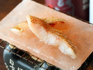 白身魚のトロ!身は柔らかく脂は上品『のどぐろの岩塩焼き』(数量限定)