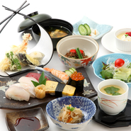 ■小鉢 ■天婦羅盛合せ ■酢物 ■味噌汁 ■すし盛合せ ■煮物 ■茶碗蒸し ■水物