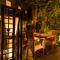 アジアンテイスト漂う店内は、バリ島のリゾートをイメージ