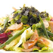採れたての野菜を濃厚なソースで味わう『菜園風バーニャカウダ』
