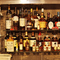 80種以上のお酒がずらり。ソムリエが選ぶワインで大切な人と乾杯