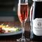インパクトのある前菜と美しく調和する「スパークリングワイン」