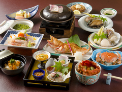 八戸名物の新鮮な魚貝類をふんだんに使った郷土会席