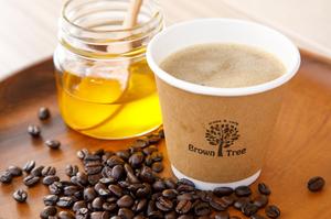 """注文ごとに挽いて抽出。""""究極のオイル""""と呼ばれる純粋な「ギー」を使用したまろやかな『バターコーヒー』"""