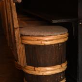 座り心地が良い、酒樽を利用した椅子