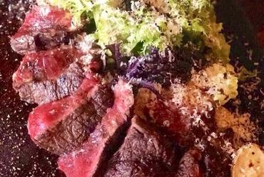 AUS産 牛リブロースニクのステーキ ~熟成バルサミコとパルミジャーノ~ 200g 2600 300g 3500