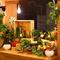 収穫体験もできる、契約農家から仕入れる季節の野菜