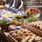 旬野菜や天然酵母パン等こだわり素材のランチブッフェ
