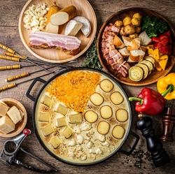 贅沢メニューを取り揃えました!選べるお鍋は超速鮮魚のしゃぶしゃぶorマグロの希少部位鉄板焼き♪