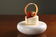 イタリア仕込みの技で仕上げる『フルーツトマトのレアチーズケーキ』