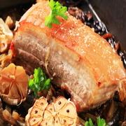 胡麻油ダレ・味噌ダレ・ネギサラダ・焼キムチ・包野菜付き