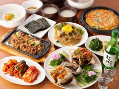 ハヌリ自慢の【新鮮カンジャンケジャン+本格韓国料理7品】が堪能できるコース