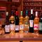 季節や料理に合わせて楽しめる、厳選ワインも充実の品揃え