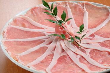 上品な甘みと深い風味が持ち味『北海道ひこま豚 ロース肉(ネギ付き)』