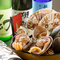 魚介の旨みを引き立たせる日本酒が豊富。通も唸る地酒もあり