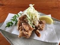 はかた地どりのモモ肉を使用。昭和45年創業の元祖福栄の唐揚げの味をお楽しみいただけます。