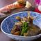 人気の『鯛のあら炊き』は単品でもコースでも味わえる
