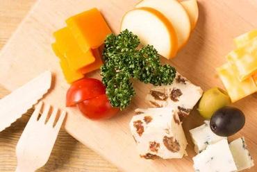 厳選チーズの3種盛り合わせ