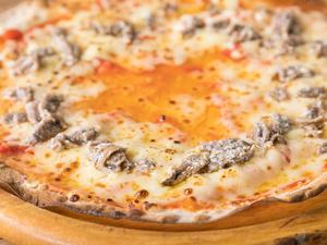 チーズが楽しめる『アンチョビピザ』