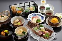 今が旬の最高の食材と心のこもったおもてなしで接客させて頂きます。嫌いなものがあればご予約時にご連絡下さい。≪詳しくはこちらから≫http://www.isekin.com/service/category/yorukondate