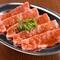 赤身が上質でクセのない深い旨味を持つ「薩摩茶美豚」など