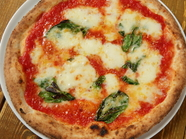 外せない定番ピッツァ『マルゲリータ』でシンプルな美味さを満喫