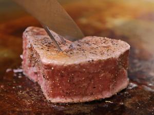 肉の柔らかさが楽しめる『和牛 A4フィレステーキ』